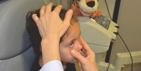 exame de vista em crianças - exame externo dos olhos