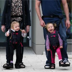 estimular a desenvolver a capacidade de andar