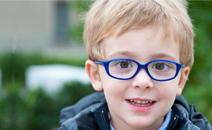 56e65be65 Óculos infantis: dicas de mãe para escolher certo e se adaptar bem