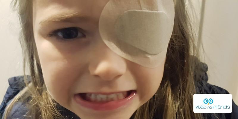 o que acontece quando a criança usa tampão ocular